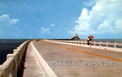 Sunshine Skyway Bridge - St Petersburg, Florida FL Postcard