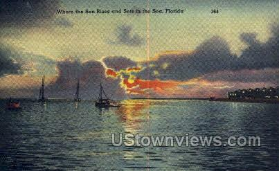 Sun Rises - Gulf of Mexico, Florida FL Postcard