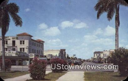 Hollywood Blvd Business Section - Florida FL Postcard