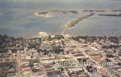 Clearwater, Florida Postcard     ;     Clearwater, FL