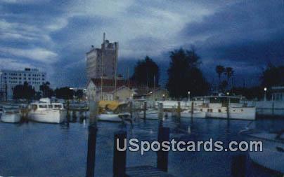 Sarasota Municipal Pier - Florida FL Postcard
