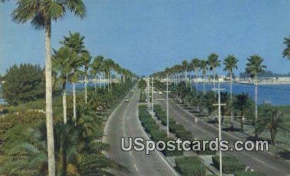 Memorial Causeway - Clearwater Beach, Florida FL Postcard