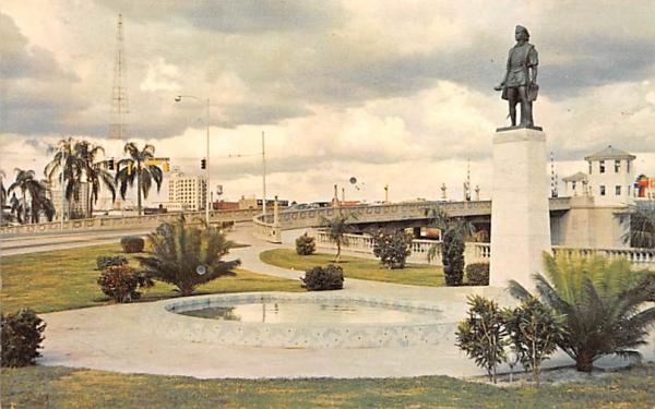 Christopher Columbus Statue on Bayshore Boulevard Tampa, Florida Postcard