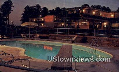 Quality Courts Motel Alpine - Macon, Georgia GA Postcard