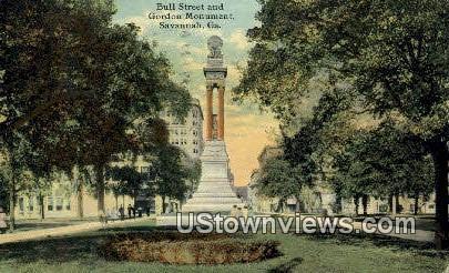 Bull Street & Gordon Monument - Savannah, Georgia GA Postcard