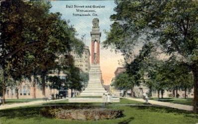 Bull Street and Gordon Monument - Savannah, Georgia GA Postcard