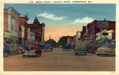 Broad Street looking North - Thomasville, Georgia GA Postcard