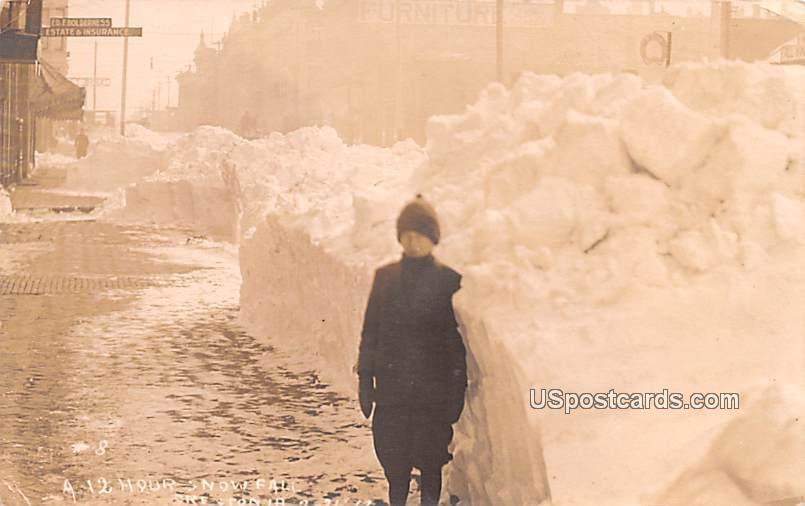 12 Hour Snow Fall - Creston, Iowa IA Postcard