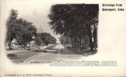 Kirkwood Boulevard - Davenport, Iowa IA Postcard