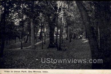 View in Union Park - Des Moines, Iowa IA Postcard