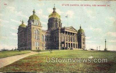 State Capitol Building - Des Moines, Iowa IA Postcard
