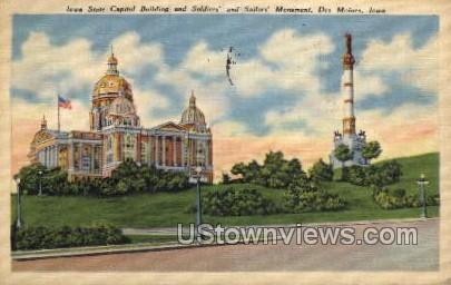 Iowa State Capitol Building - Des Moines Postcard