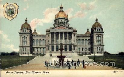 State Capitol - Des Moines, Iowa IA Postcard