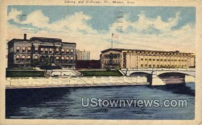 Library and Coliseum - Des Moines, Iowa IA Postcard