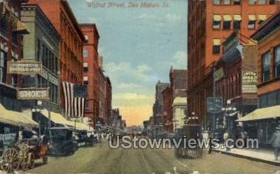 Walnut Street - Des Moines, Iowa IA Postcard