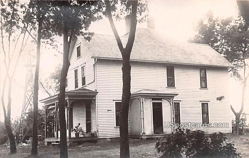 Residence - Grundy Center, Iowa IA Postcard