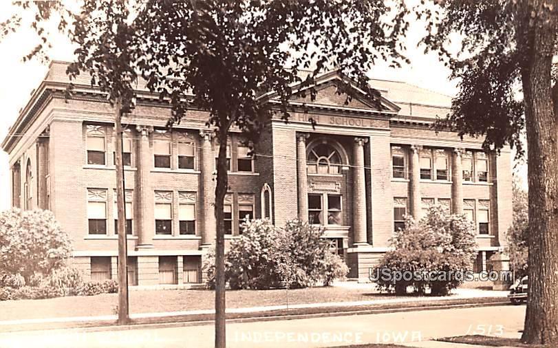 High School - Independence, Iowa IA Postcard