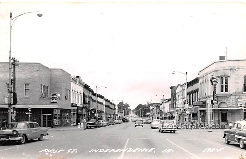 First Street - Independence, Iowa IA Postcard