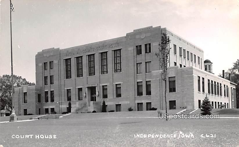 Court House - Independence, Iowa IA Postcard