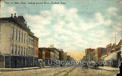 Main Street Toward River - Keokuk, Iowa IA Postcard