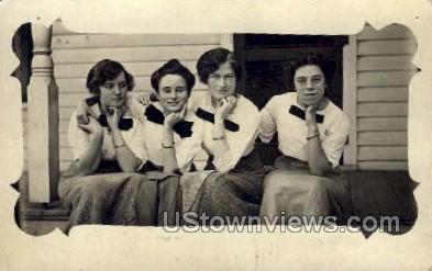Four Women - Misc, Iowa IA Postcard