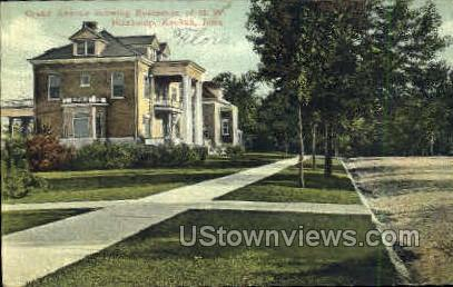Grand Avenue - Keokuk, Iowa IA Postcard