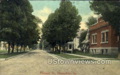 Pleasant Street - Maquoketa, Iowa IA Postcard