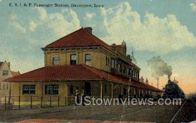 CRI & P Passenger Station - Davenport, Iowa IA Postcard