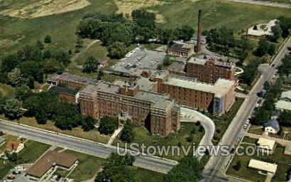 Mercy Hospital - Davenport, Iowa IA Postcard