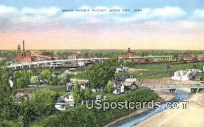 Grand Avenue Viaduct - Sioux City, Iowa IA Postcard