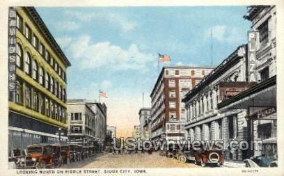 Looking North on Pierce Street - Sioux City, Iowa IA Postcard
