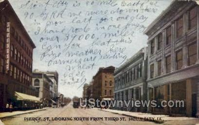 Pierce St., Looking North from Third St. - Sioux City, Iowa IA Postcard