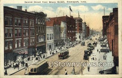 Second Street - Davenport, Iowa IA Postcard