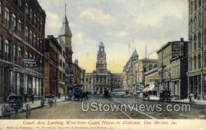 Court Avenue - Des Moines, Iowa IA Postcard