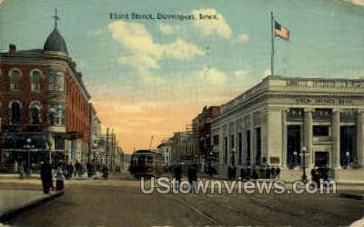 Third Street - Davenport, Iowa IA Postcard