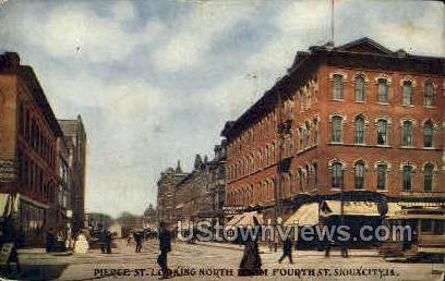 Pierce Street - Sioux City, Iowa IA Postcard