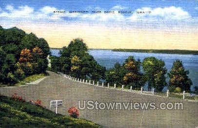 Scenic Mississippi River Drive - Keokuk, Iowa IA Postcard