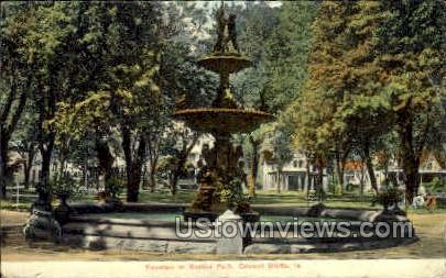 Fountain in Bayliss Park - Council Bluffs, Iowa IA Postcard