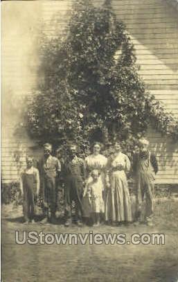 Real Photo Family 1912 - Cedar Falls, Iowa IA Postcard