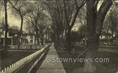 Residence Scene - Sheldon, Iowa IA Postcard