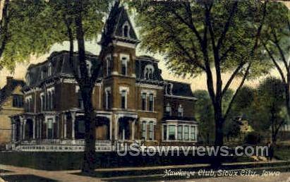 Hawkeye Club - Sioux City, Iowa IA Postcard
