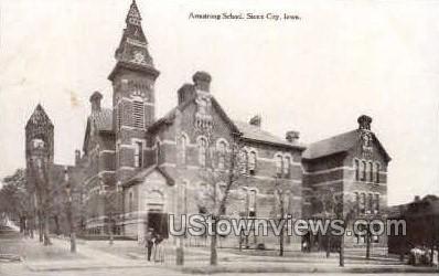 Armstrong School - Sioux City, Iowa IA Postcard
