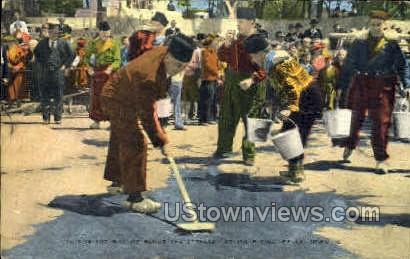 Street Scrubbing - Pella, Iowa IA Postcard