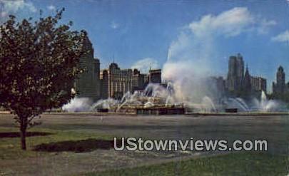 Bunckingham Fountain - Chicago, Illinois IL Postcard