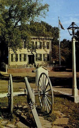 Abraham Lincoln's home - Springfield, Illinois IL Postcard