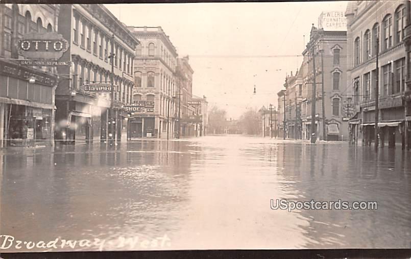 Broadway West - Logansport, Indiana IN Postcard