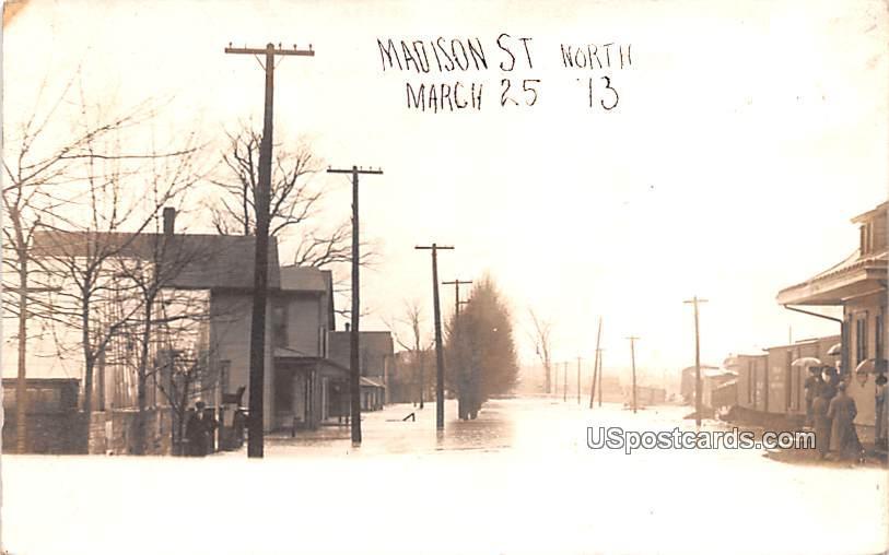 Madison Street - Muncie, Indiana IN Postcard