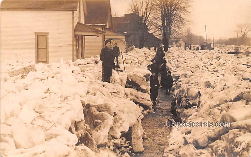 Winter Snow Scene, Indiana? - Misc Postcard