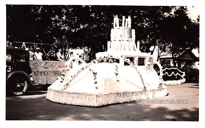 Parade Float - Misc, Indiana IN Postcard