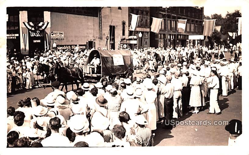 Parade - Misc, Indiana IN Postcard